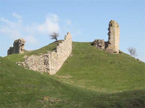 Harbottle castle northumberland